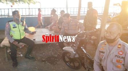 Polsek Marbo, Rutin Lakaukan Patroli Dipantai Topejawa Bersama Babinsa Mangadu