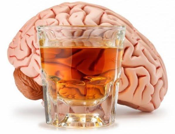 Adolescenti: bere alcol altera Metabolismo e volume Materia Grigia nel Cervello