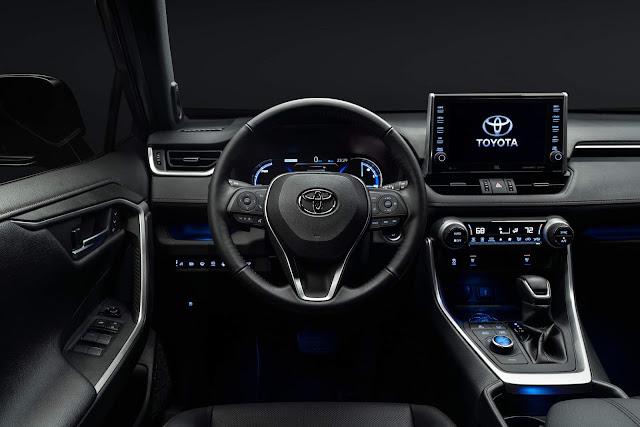 Toyota RAV4 Plug-In Hybrid - interior - painel