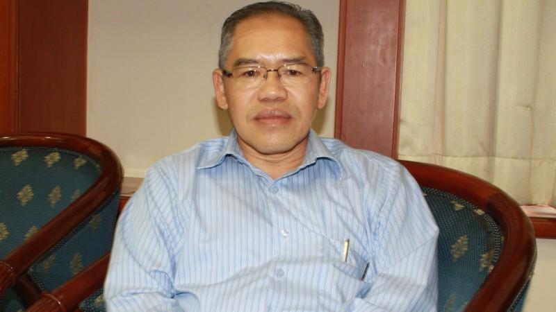 Prof. dr. Hasbullah Thabrany yang mensurvey soal rokok