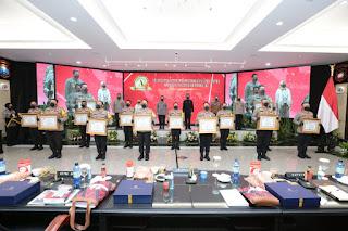Enam Polres Jajaran Polda Jatim Terima Predikat Pelayanan Prima Dari Menpan RB