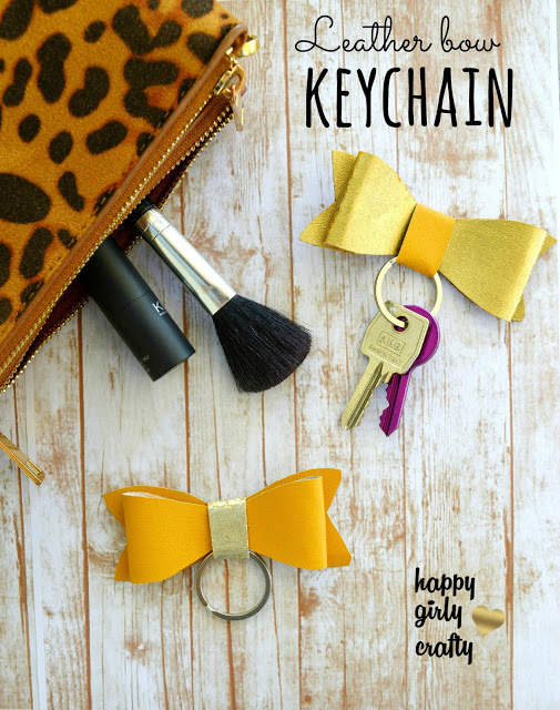 faux leather bow keychain!