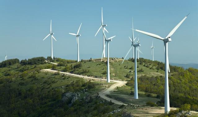 Νίκος Γόντικας: Ξεφυτρώνουν σαν τα μανιτάρια τεράστια αιολικά και φωτοβολταϊκά στη Πελοπόννησο