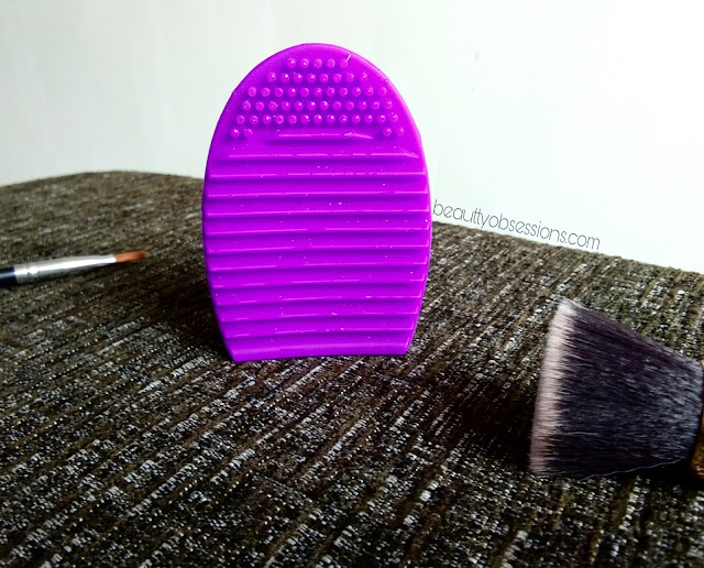 Egg Makeup Brush Cleaner from Beautybigbang - Review