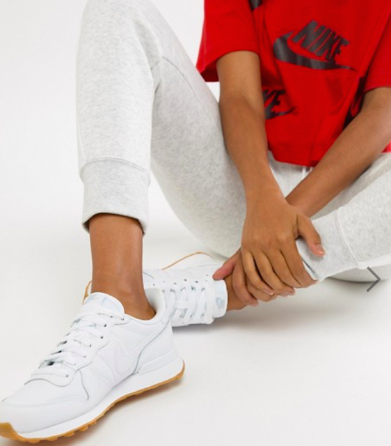 5 Reasons Why You Need A Pair Of White Sneakers In Your Life