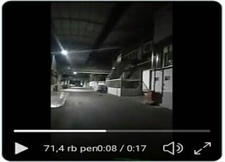 Di pabrik jepara