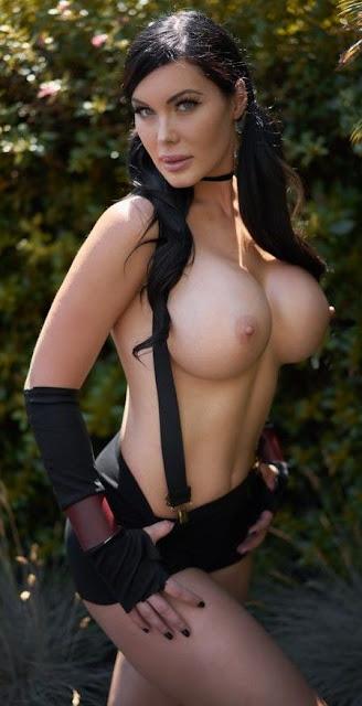 Veronika Black side naked boobs