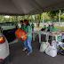 Drive-thru solidário arrecada meia tonelada de alimentos para pessoas em situação de rua