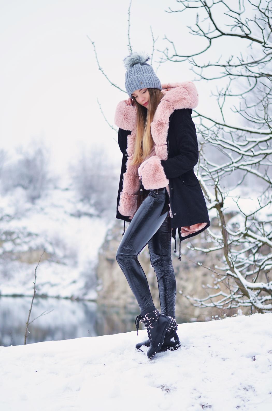 Różowy akcent w zimowe dni