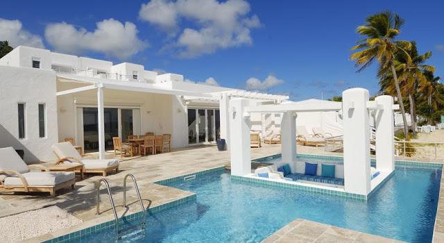 Hotel Saint Martin , villa blanche avec piscine
