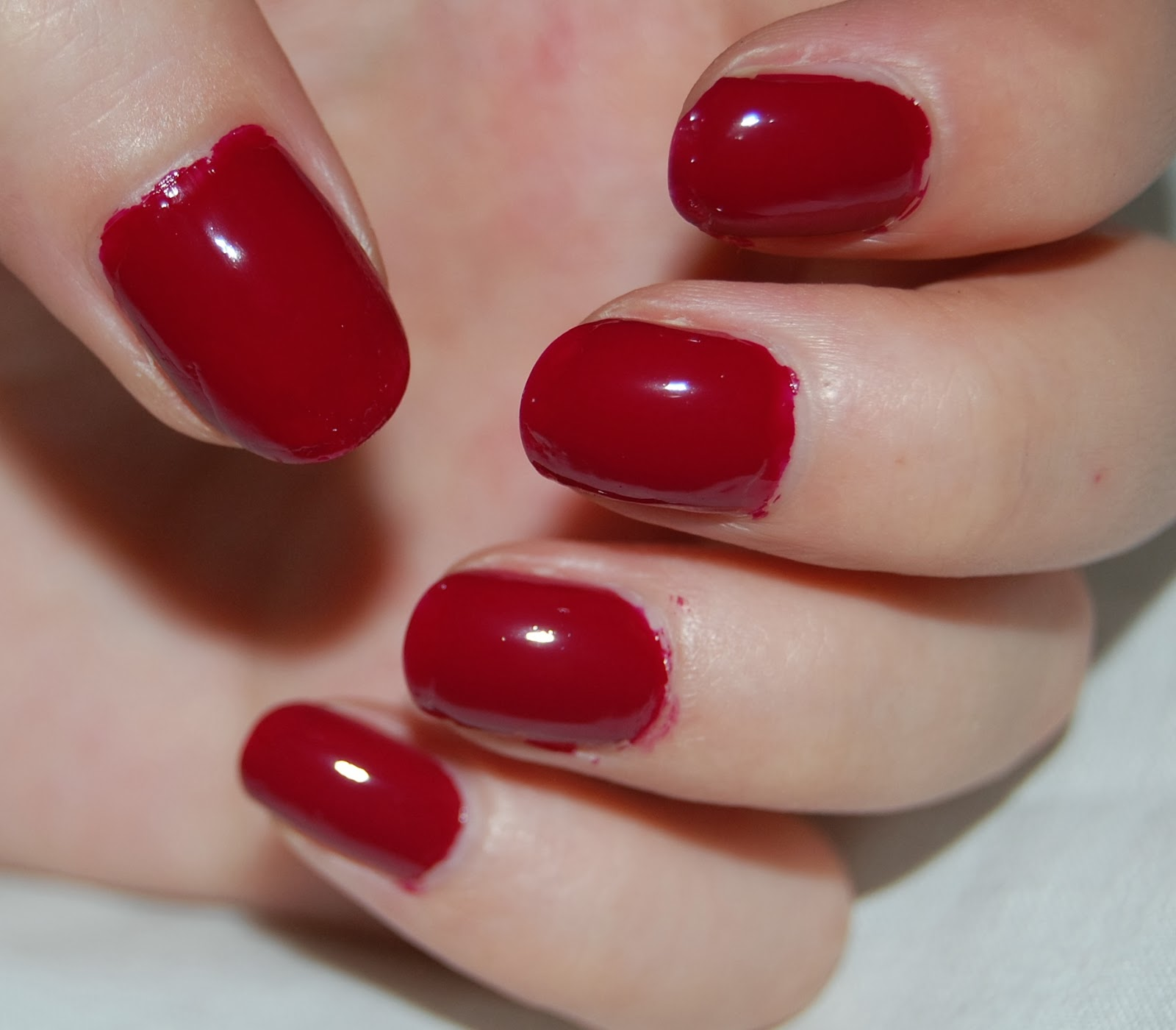 Dynamic Views Very Beautiful And Preity Nails Art Red: What A Looker: Plain Nails