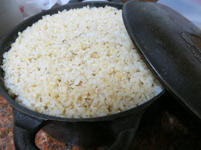 Resultado de imagem para panela de arroz no fogo