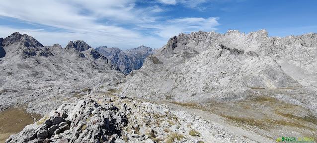 Vista de la Torre de Salinas desde la Padiorna