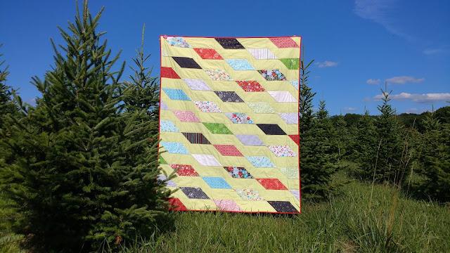 Rockslide quilt in Christmas fabrics