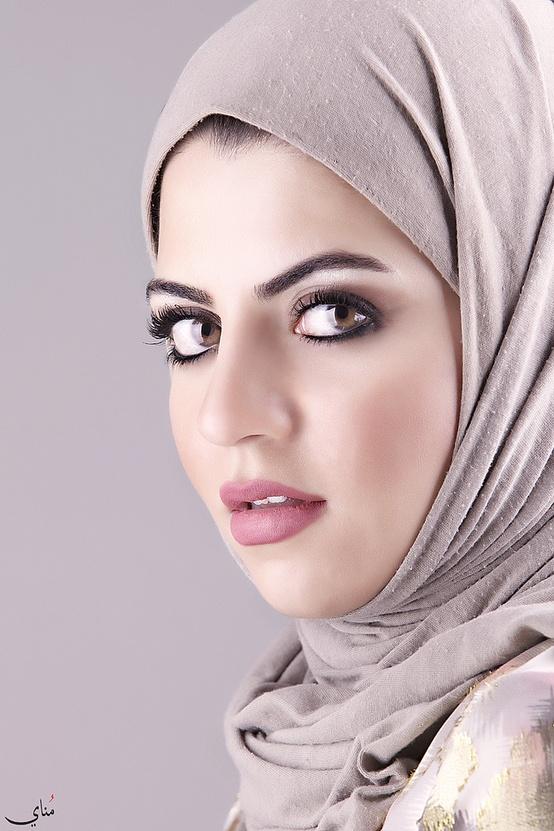 Saudi Arabia Girls  Actress Models Hot Pictures Photos