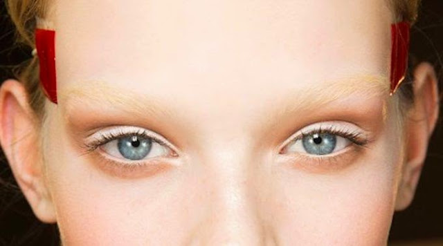 Bleached Eyebrows (source: Pinstake.com) - Les Mousquetettes