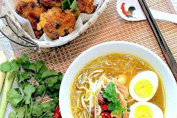 Mee Soto Ayam & Begedil