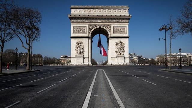 """إغلاق منطقة """"قوس النصر"""" في باريس بعد تحذير من وجود قنبلة"""