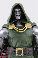 Marvel Legends Doctor Doom 04