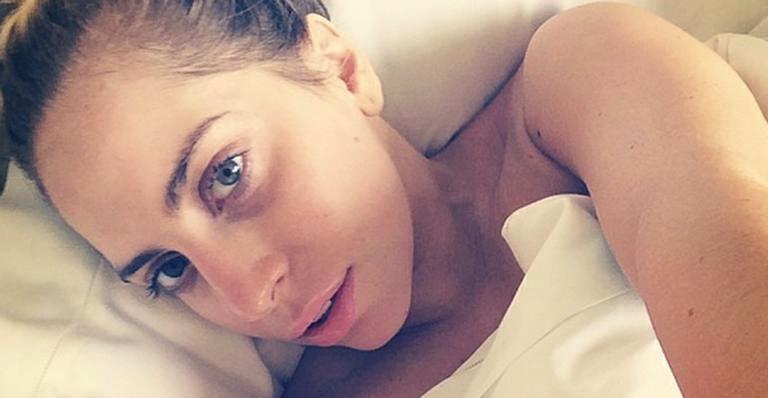 Lady Gaga sem maquiagem linda mulher foto
