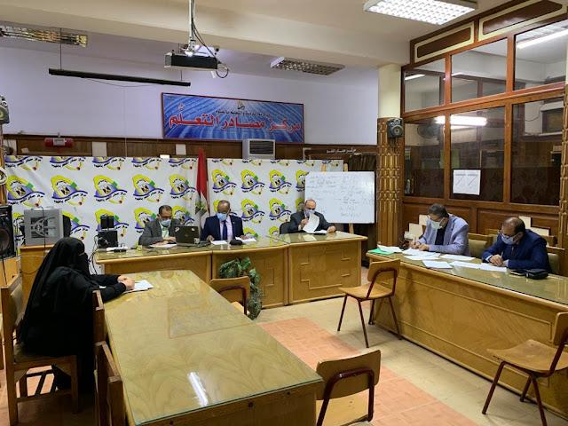 وكيل وزارة التعليم بالفيوم يتابع امتحانات صفوف النقل وسط إجراءات احترازية مشددة