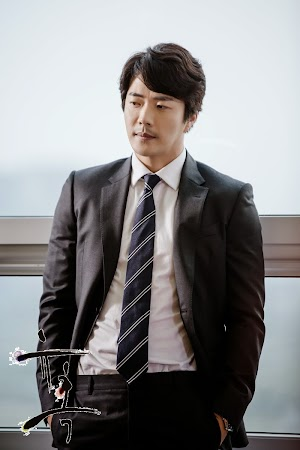 KwonSangWoo-Temptation1