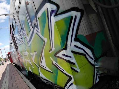 graffitis gare de jambes