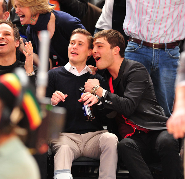 fbeaf3f387 2PzNaPpod  chuck bass and his boyfriend at the knicks game.