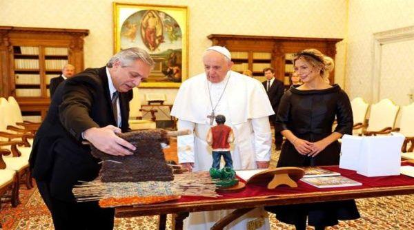 El papa y Alberto Fernández se reúnen en el Vaticano