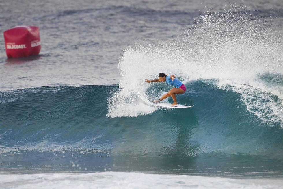 2 Johanne Defay Roxy Pro Gold Coast fotos WSL Kirstin Scholtz