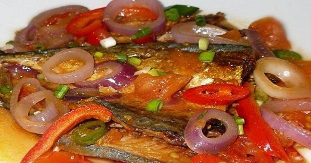 Filipino Dried Fish In Tomato (Local: Sarciadong Buwad Or Daing)