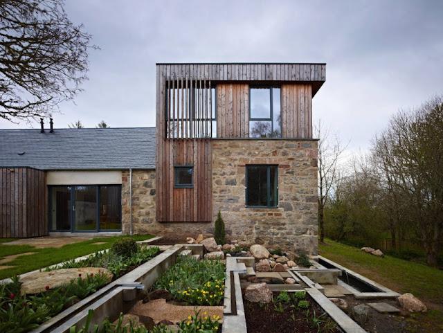 Современные дома. Старая мельница, реконструированная в современный дом