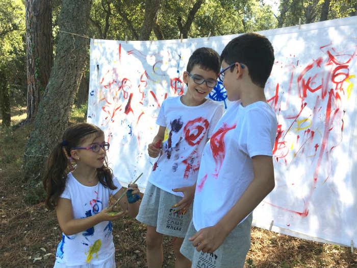 manualidad niños creatividad pintar tela en vertical bosque, pintura eco natural