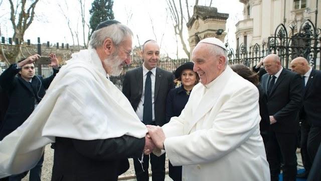 Papa Francisco manda felicitações ao rabino de Roma pela Páscoa