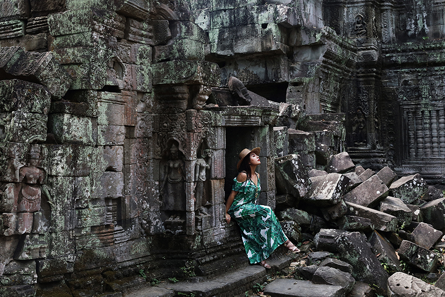 "Feeling the Lara Croft fantasy at the ""Tomb Raider temple"": Ta Prohm in Siem Reap, Cambodia"