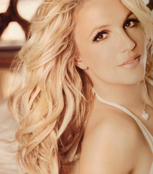 https://1.bp.blogspot.com/-uqW2_GbVugY/Tbw9kC0hGQI/AAAAAAAACu0/joZ-U6-0d4U/s1600/Britney%252BSpears%252B24ne1ee.jpg