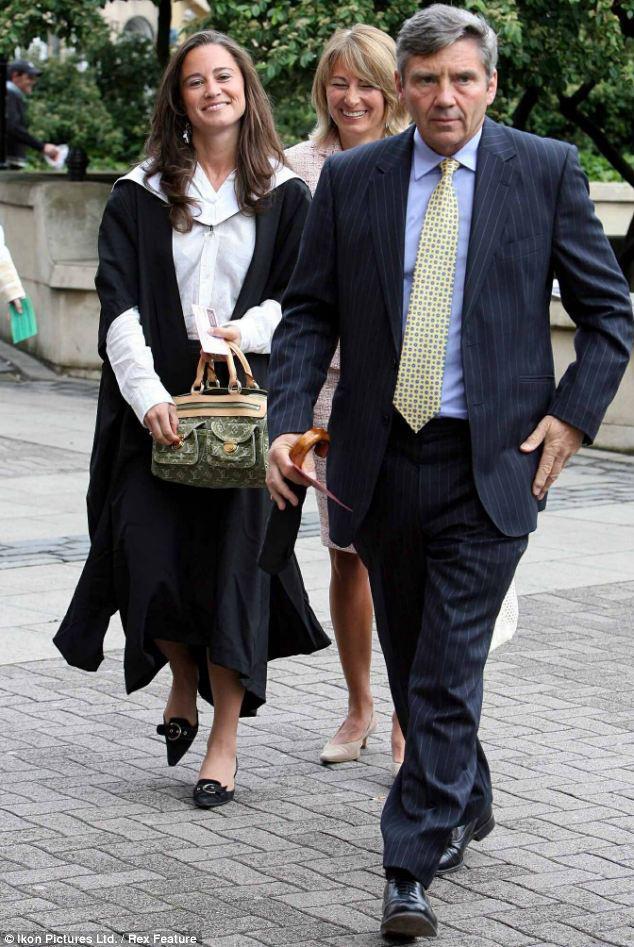 Pippa se graduó en Literatura Inglesa a los 25 años en la Universidad de Edimburgo,  año 2008