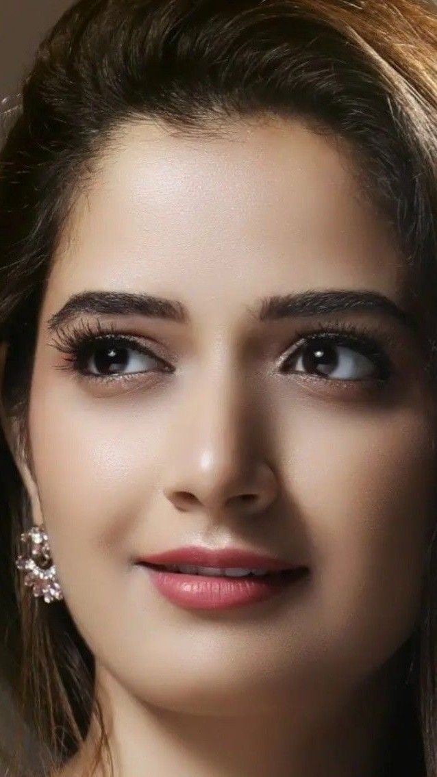 60 Foto Wanita Cantik dari Seluruh Dunia  Bikin Semangat
