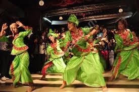 Le Mbalax, la très dansante : Danse, culture, événement, musique, populaire, Mbalax, sabar, artiste, spectacle, chants, rythme, griot, ethnies, Wolof, LEUKSENEGAL, Dakar, Sénégal, Afrique