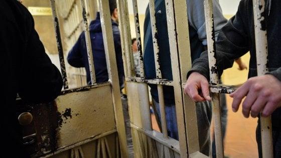 Mafia, boss dava ordini dal carcere: arresti