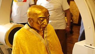 1000 Yıllık Altınla Kaplanan Rahip Mumyası
