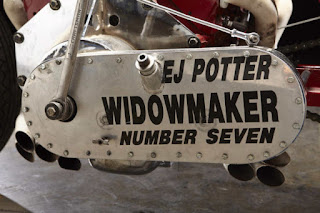 EJ-Potter-Widowmaker-7-Motorcycle-with-a-Chevy-V8-07-620x413