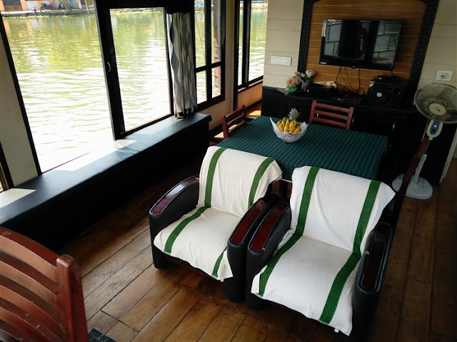 houseboat interiors allepy kerala travel blog