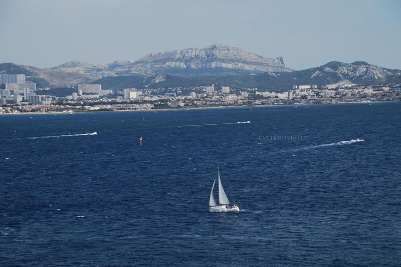 Marseille Mittelmeer Segelschiff Ausblick Gefängnisinsel Château d'If Sehenswürdigkeit Südfrankreich. Tasteboykott