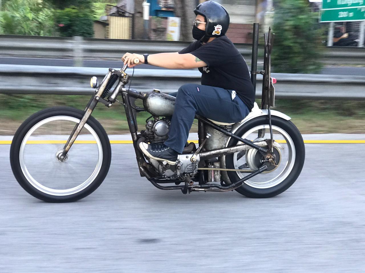 Bikin Custom dari Kawasaki KZ200