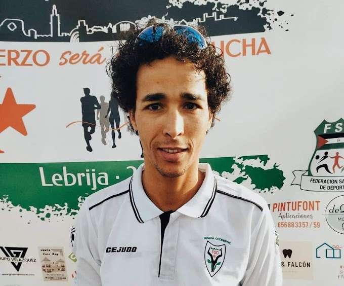 El joven saharaui Lehsen Sidahmed gana la carrera solidaria de Lebrija (Sevilla).