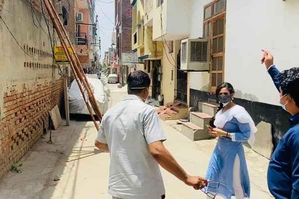 faridabad-ballabhgarh-sdm-aparajita-visit-containment-zone-news