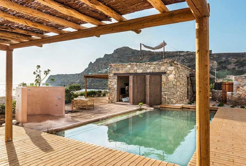 esterno casa in pietra a Creta