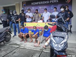 Rampas Uang Setoran, Security Toko Emas Semar Nusantara di Semarang