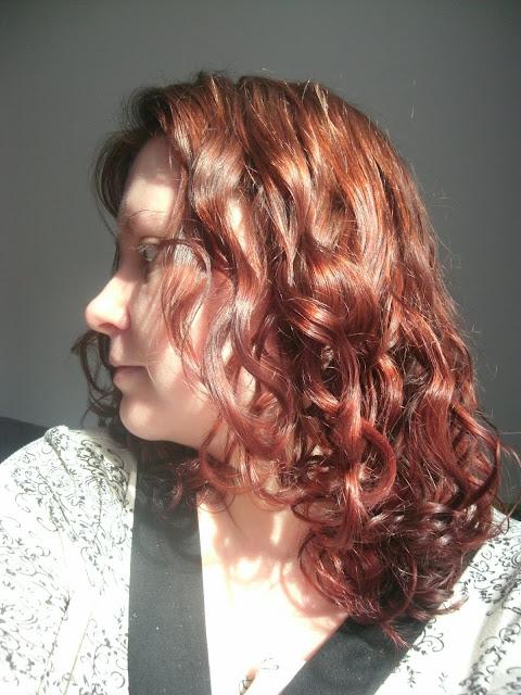 pielęgnacja kręconych włosów